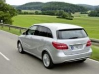 Natural gas-driven Mercedes-Benz B 200 to debut in Paris
